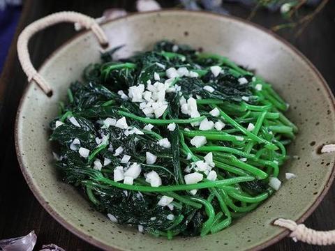 油爆河虾,虎皮鹌鹑蛋,清炒地瓜叶,家常豆腐的做法