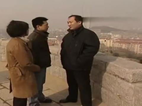 黑洞:王明二人约见宋伟,了解到真实情况,明白张峰之死很复杂