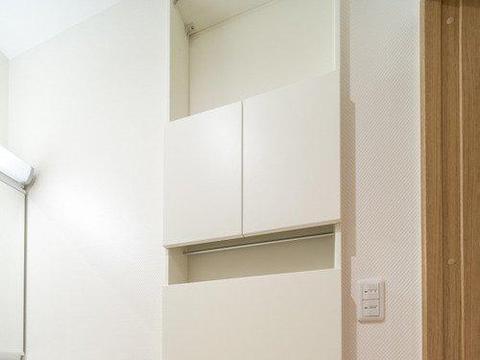 浴室柜别再用传统做法,学日本这 样设计,仅需10cm收纳量惊人