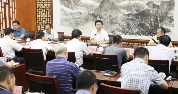 白松涛在创建国家卫生城市工作推进会上强调:强化重点攻坚 实现创城目标