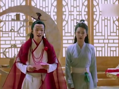 剧中:锦觅旭凤灵修当晚,晚香玉突然开花,让润玉怅然若失