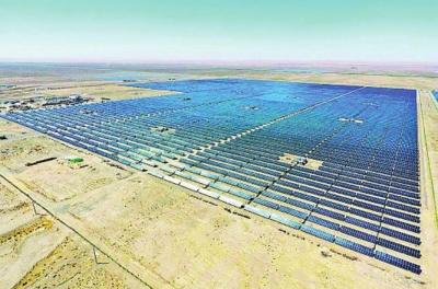 阿克塞县49兆瓦光伏发电项目并网发电