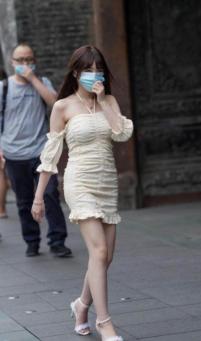 """今年夏天 一个""""颈裙""""被解雇 席卷了大"""