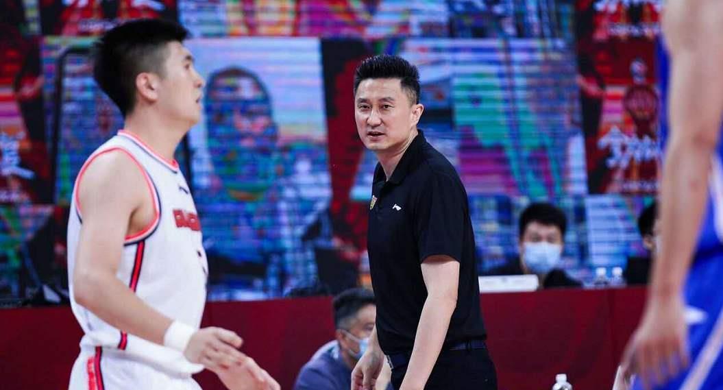 刚升上广东男篮一队的王昊宇水平如何?看看他在二队的表现就知道