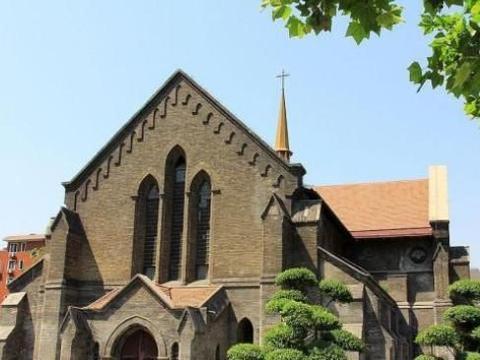 天津这座哥特式教堂,英国人用10年建成,今成婚拍外景无宗教活动