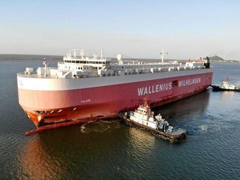 江苏连云港:1700多台车辆从口岸装上远洋滚装船出口比利时