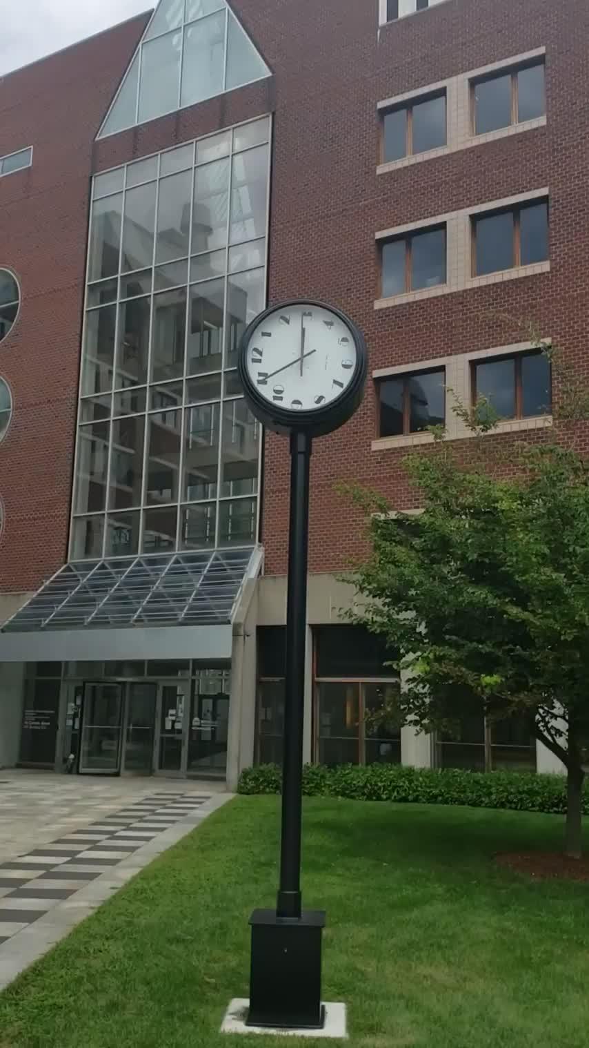 麻省理工学院的一个怪表