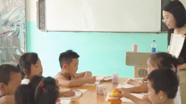 因圩堤漫溃被淹的江西鄱阳县桂湖小学响起上课铃声
