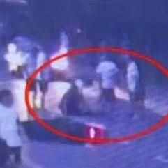 【点赞】小伙被车撞倒呼吸心跳骤停,路过麻醉师夫妻黄金3分钟抢救