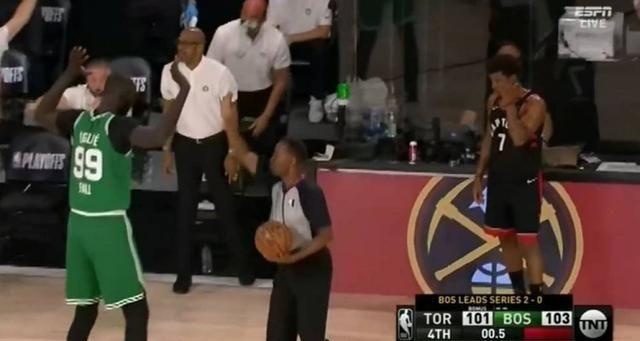 NBA诞生逆天奇迹,0.5秒的绝杀发生了,就在猛龙对凯尔特人的这一场比赛里