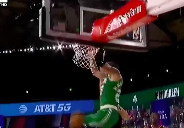 NBA冠军逆天改命,0.2秒3分绝杀上演最大奇迹