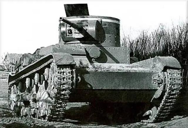 英国维克斯坦克的苏联衍生版,苏联装甲部队中坚,T26轻型坦克