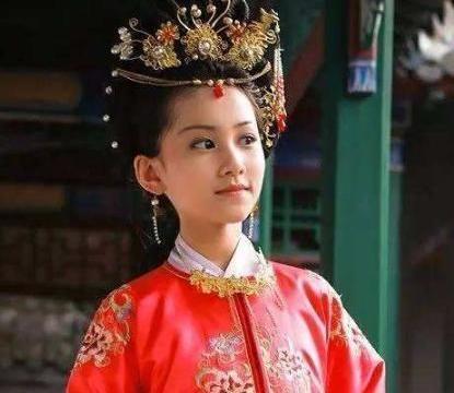 """《少年大钦差》野丫头佟童,爆红后""""消失""""16年,今长成大美人"""