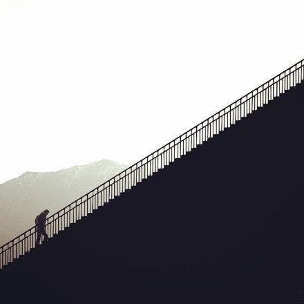 一个人彻悟的程度,恰等于他所受痛苦的深度。 —— 林语堂