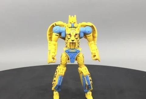 低龄线中的战斗机!王国系列黄豹勇士实物展示!