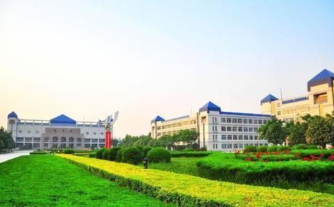 西北本科院校,西安文理学院和甘肃医学院,虎斗龙争