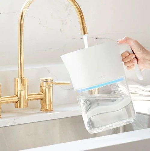 世界上第一款自滤水罐,两层过滤系统,秒杀市面上其他净水器 | 海外黑科技