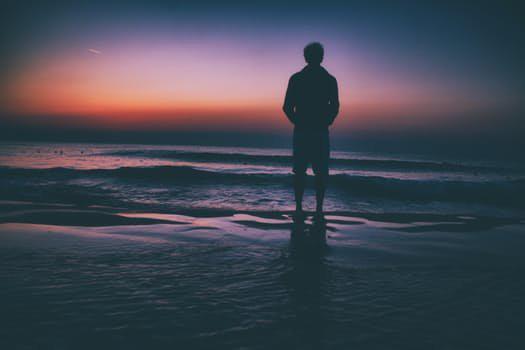 更难以忍受的是精神的寂寞。——郭玉洁《众声》