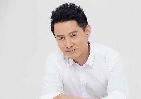娶小11岁的妻子,婚姻聚少离多的演员郭广平,到今天依旧十分幸福