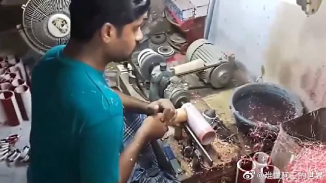 实拍印度作坊用塑料加工手镯,一条管子一下车20个!