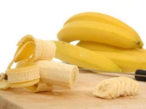 香蕉别浪费了,和它一起煮着吃,功效翻倍,抗癌增强抗病力!