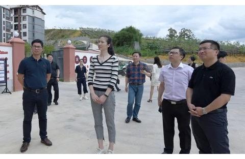 32岁魏秋月登台献唱!已是大学副院长;功勋周苏红却低调很少现身