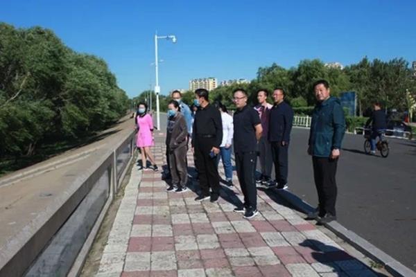 黑龙江省绥滨县检察院开展户外徒步纪念