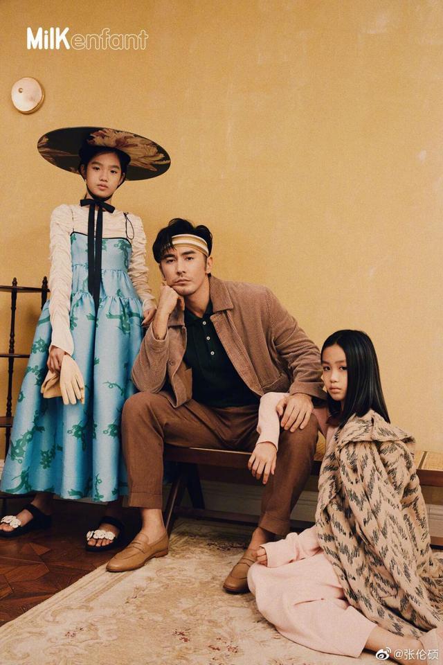 张伦硕携女儿拍复古大片,考拉堪称翻版钟丽缇,夫妇俩正备孕四胎