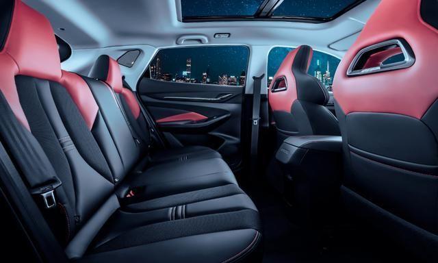 长安又一黑马SUV即将上市,搭载蓝鲸发动机,或6万起售