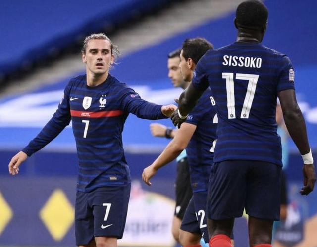 欧国联比赛里,法国队4-2击败克罗地亚队,本场比赛格列兹曼1传1射独造2球