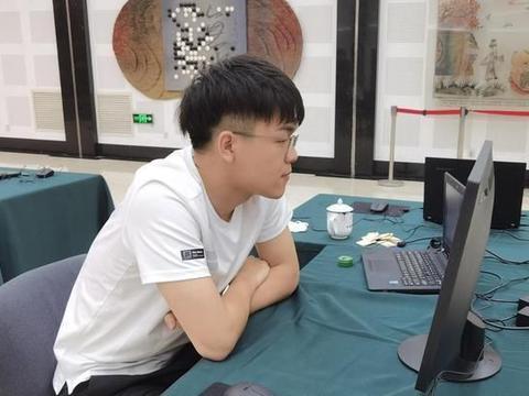 柯洁击败江维杰晋级应氏杯8强,4进大赛8强,今年可夺两冠?