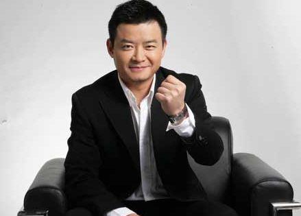 央视名嘴李佳明,销声匿迹好几年,知道原因后网友纷纷表示惋惜!