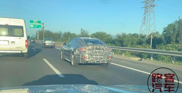 全新宝马4系GT车型路试谍照 采用四门设计