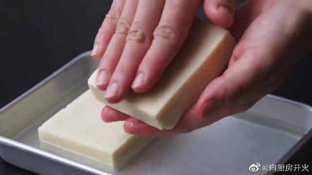 炸冻豆腐出锅~超级想尝一口,酥脆又多汁!