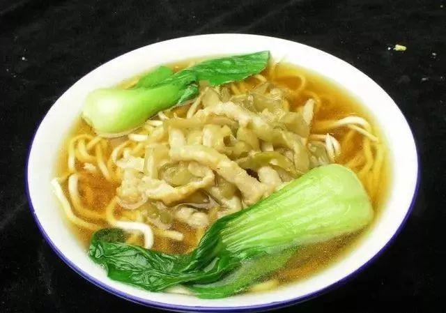 美食精选:酸辣洋白菜、红小豆焖鲤鱼、烤鸡肉丸、榨菜肉丝面