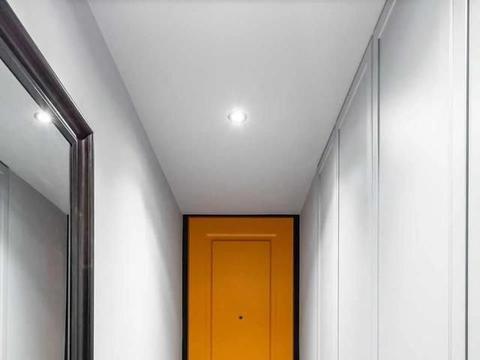 35㎡单身居所,全屋人字拼+拱形窗户设计,从玄关美到卧室