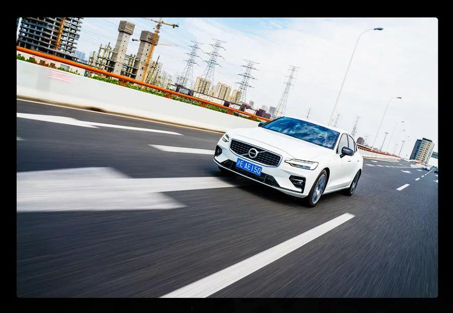 追求操控干嘛非盯着宝马3系,沃尔沃全新S60不香吗?