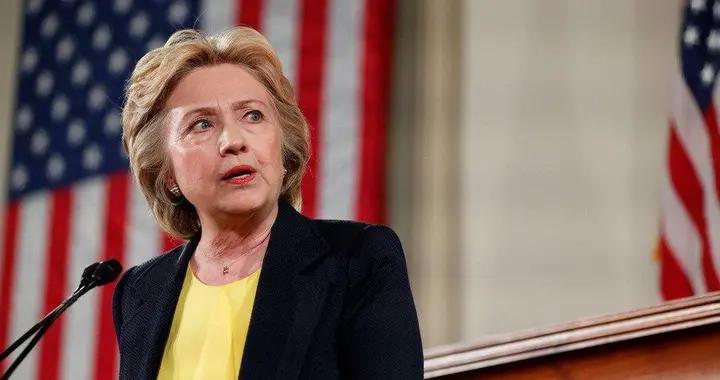 民调出现惊人反转,美大选再生变数,希拉里警告:我就是这么输的