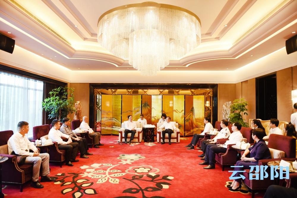 龚文密会见老挝驻长沙总领事馆总领事本·印塔巴迪:深化务实合作 实现互利共赢