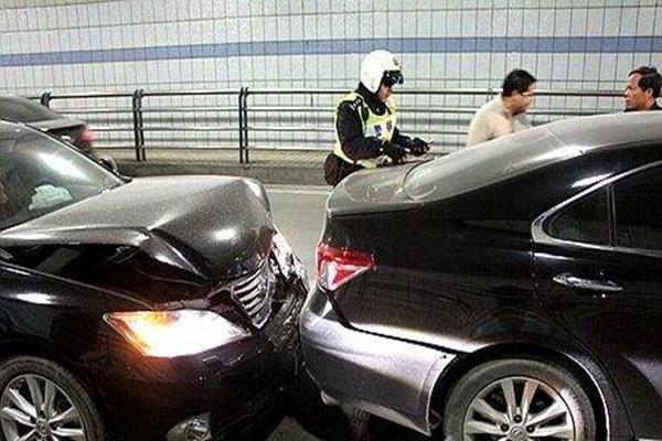 不要小瞧驾驶的坏习惯,导致车祸都是这些细节!赶紧纠正