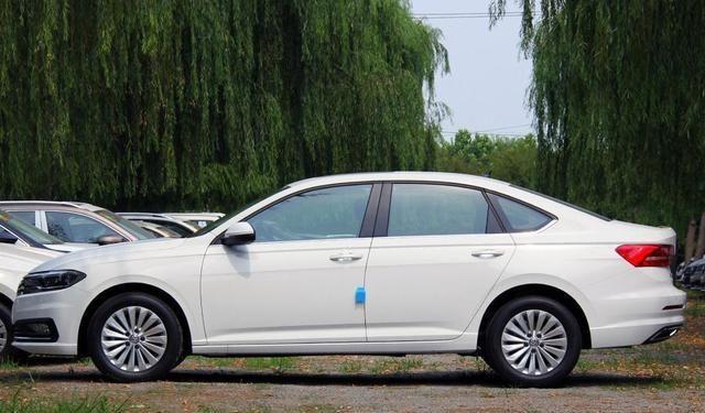 """车界最牛""""中国造"""",一年能卖20万辆,开十年无大故障,仅10万起"""