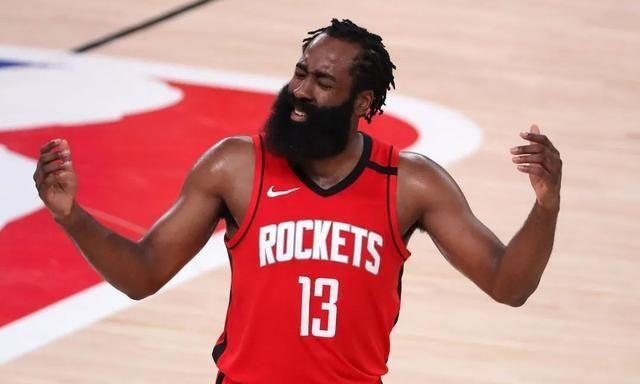 NBA季后赛继续进行,红队100-110不敌湖人,大比分1-3落后