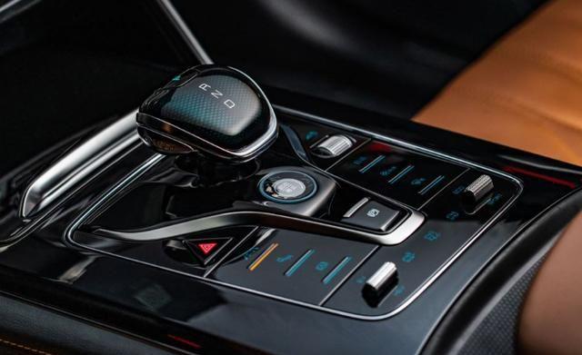 又一SUV火了,配12.3英寸仪表盘+15.6英寸大屏,科技感十足