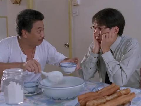 吴孟达太有才,咸蛋放在盐罐里,臭豆腐居然放在鞋里