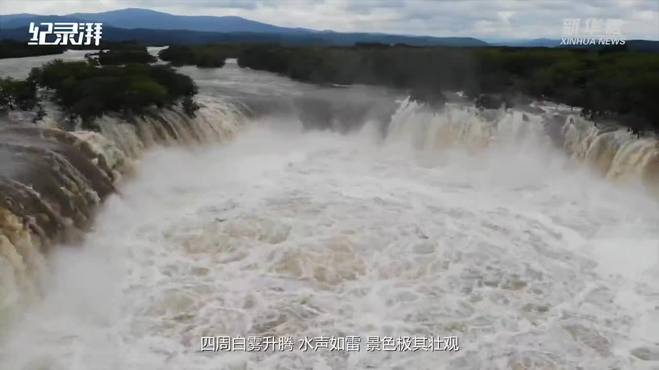 """镜泊湖吊水楼瀑布现""""三面溢流""""壮观景象"""