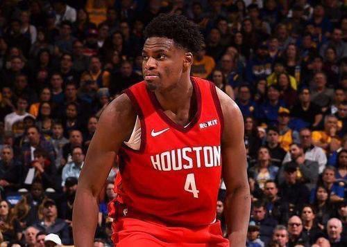 NBA季后赛继续进行,在一场备受关注的火湖大战G4中