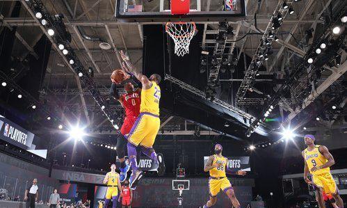 2019到2020赛季的NBA季后赛继续进行,湖人队与火箭队的比赛迎来了最关键的时刻