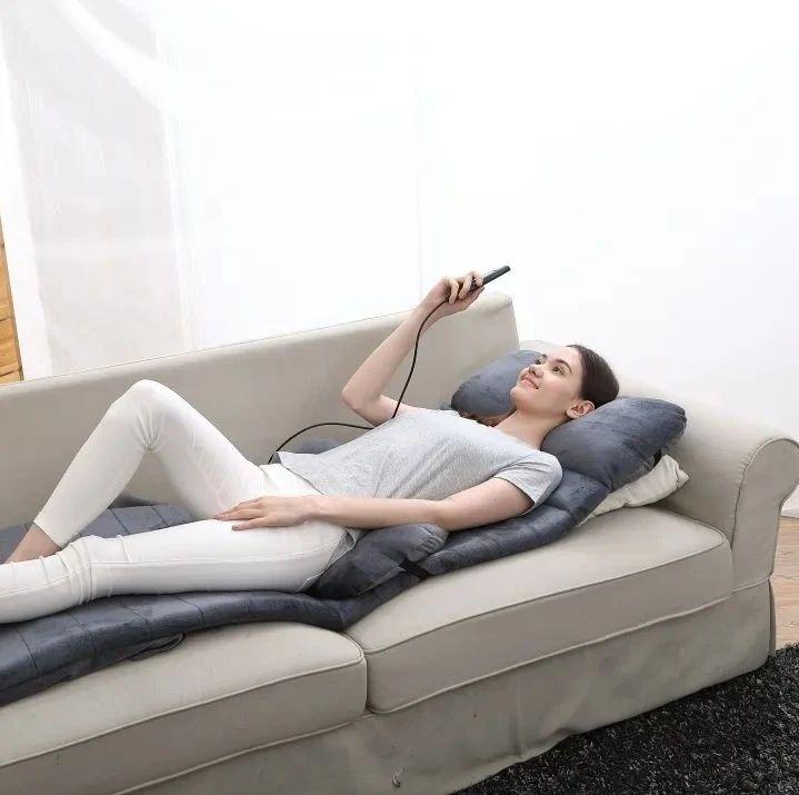 全身按摩只需一床垫子,揉捏、锤击、热敷,15分钟全身都舒坦了!