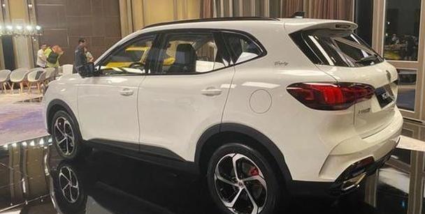 又一适合年轻人的SUV!比HS更运动,配2.0T发动机,网友:买它