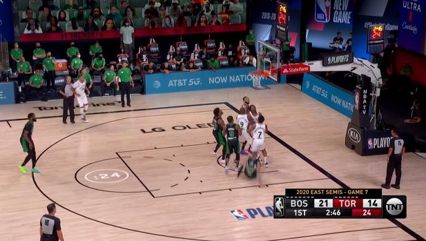 NBA季后赛继续进行。在今天早些时候进行的一场西部半决赛里